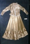 416px-Teteven-History-museum-bridal-wear-Teteven-2