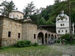 800px-Troyan-monastery-imagesfrombulgaria