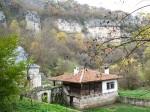 800px-Demir_Baba_Tekke_and_Thracian_Sanctuary_Sboryanovo_Bulgaria